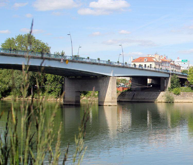 Circulation des cyclistes sur le pont Georges Pompidou